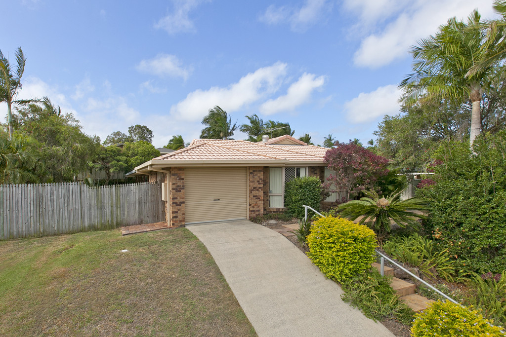 16 webber place wynnum west QLD 4178