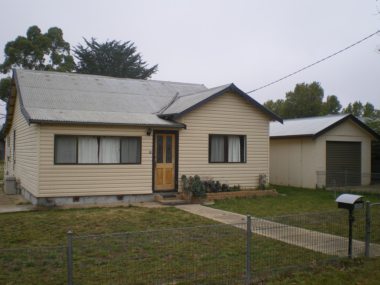 Photo of 32 Denison Street COOMA, NSW 2630