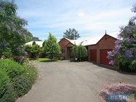 Picture of 4 Round Hill Road, Wilton