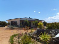 Picture of 214 Banksia Rd, Hopetoun