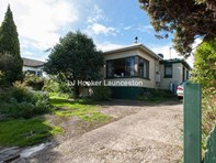 Main photo of 19 Ravenswood Road, Ravenswood - More Details