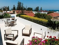 Picture of 2/16 Overton Gardens, Cottesloe