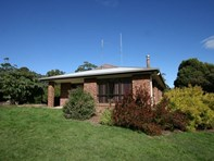 Picture of 1693 Trowutta Road, Roger River