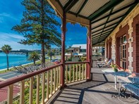 Picture of 3 Riverside Road, East Fremantle