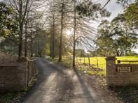 Main photo of 19 Martins Road, Oakbank - More Details