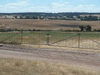 Main photo of 'Yenadin' Great Southern Highway, York - More Details