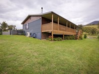 Picture of 40 Menzies Road, Lachlan