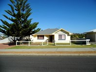 Picture of 10 Searipple Ave, Port Denison