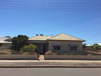 Main photo of 15 West Tce, Tumby Bay - More Details