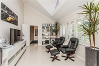 Picture of 4 Levien Place, Winthrop