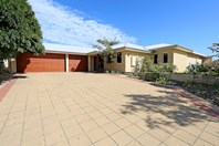 Picture of 4 Fair Oaks Court, Meadow Springs