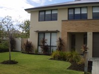 Picture of 6 Whitley Place, Meadow Springs