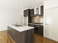 Picture of 24 Goldfields Loop, Wandi