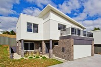 Picture of 1/3 Greenway Close, Riverside