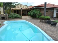 Picture of 12 SILVER Place, Carine