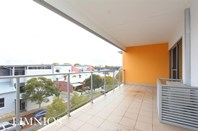 Picture of 81/154 Newcastle Street, Perth