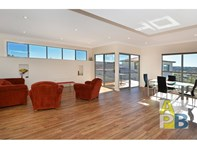 Picture of 2/25 Crossman St, Mount Melville