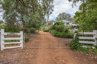 Picture of 2080 Stevens Street, Sawyers Valley