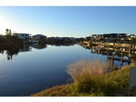 Picture of 19 Portofino Crescent, Pelican Point