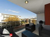 Picture of 43/177 Stirling Street, Perth