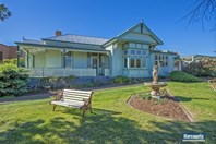 Picture of 2 Main Street, Ulverstone