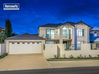 Picture of 152 Oceanside Promenade, Mullaloo