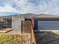 Picture of 8 Astrolabe Way, Swan View