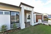 Picture of 14 Redheart Road, Carramar