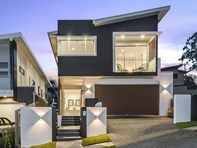 Picture of 74 Greens Road, Coorparoo