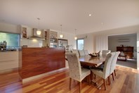Picture of 15 Bay Court, Blackmans Bay