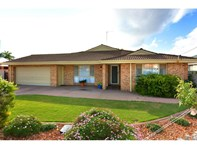Picture of 6 Delaporte Way, Carey Park