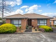 Picture of 2/7 Pascoe Avenue, Claremont