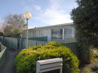 Picture of 1-6/11a Cook Crescent, Mayfield
