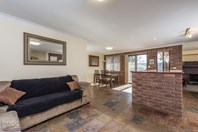 Picture of 7 Darrowby Place, Sawyers Valley