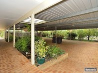 Picture of 11 Moores Road, Pinjarra