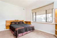 Picture of 13 The Strand, Largs North