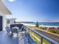 Picture of 10/5-7 Golf Avenue, Mollymook