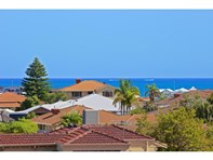Picture of 8 West View Boulevard, Mullaloo