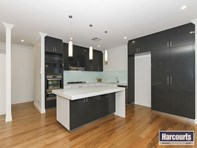 Picture of 2/60 Whitfield Street, Bassendean