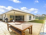 Picture of 1 Maya Crescent, Forrestfield