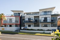 Picture of 6/5-7 Golf Avenue, Mollymook