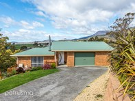 Picture of 10 Forsythe Court, Claremont