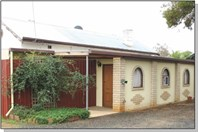 Main photo of 10 Hameister Avenue, Loxton - More Details