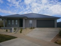 Picture of 7 Lake View Court, Mildura