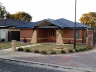 Picture of 8 Dotterell Crescent, Geographe