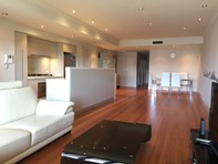 Picture of 4/2 Bay Drive Ave, Meadowbank