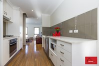 Picture of 8/2 Belconnen Way, Page