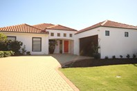 Picture of 8 St Georges Close, Bluff Point