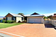 Picture of 12 Birkdale Place, Pelican Point