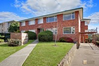 Picture of 8/4 Nuyts Street, Red Hill